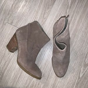 Nine West Shoes - Nine West Hamelin Ankle Booties Sz 6M Tan Suede